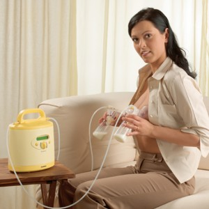 anne sütünü pompayla sağmak